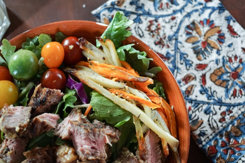 Healthy Holiday: Chipotle Steak Salad | Jessie @ The Happiness in Health